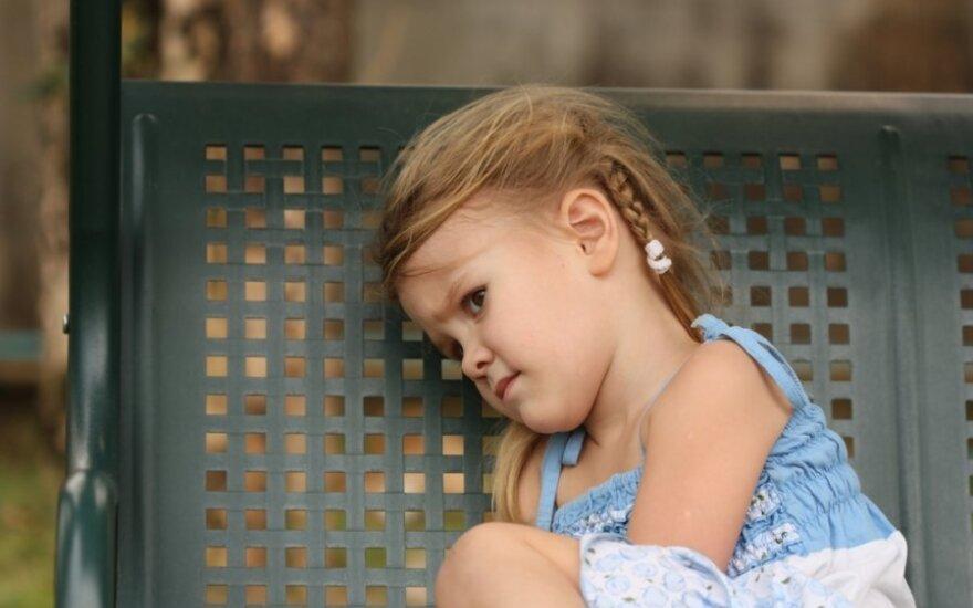 """Из Швеции хотят выслать двухлетнюю девочку """"в никуда"""""""