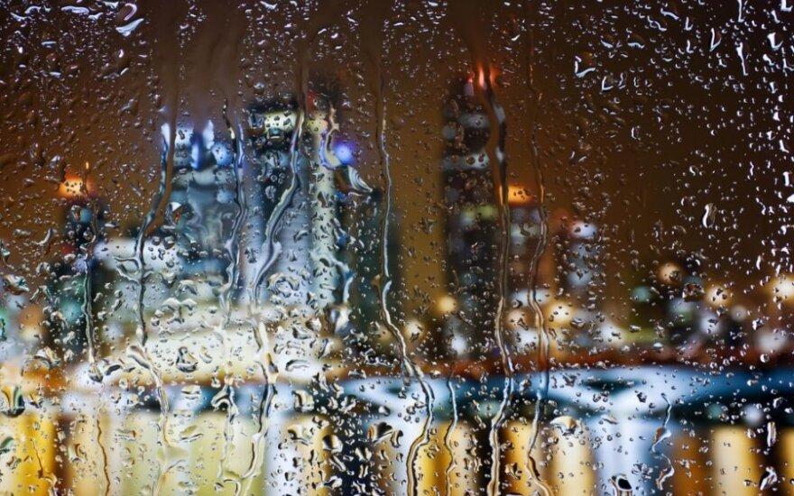 Lietus pro langą