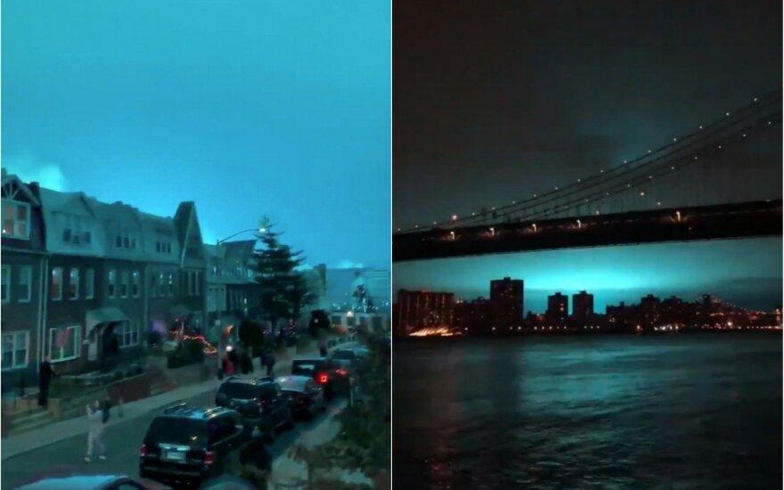 ФОТО, ВИДЕО: вечернее небо над Нью-Йорком вдруг стало ярко-голубым