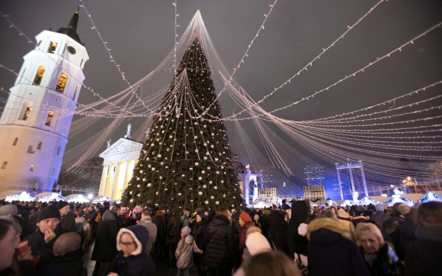 Зажглись огни на главной елке Литвы