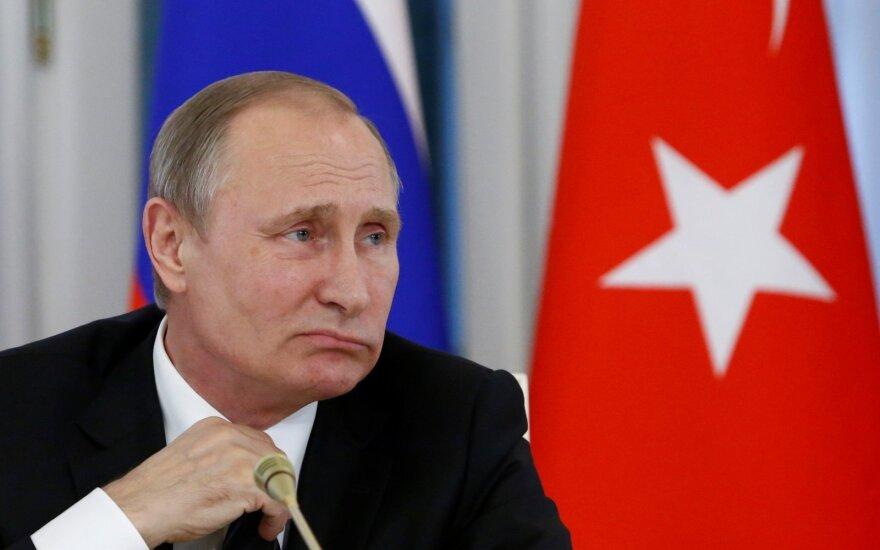 Глава ВТБ: Путин обрек себя на скромную жизнь на весь остаток дней