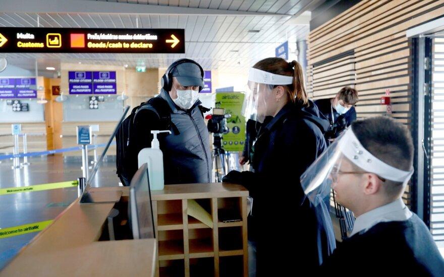 """Латвия стала """"антилидером"""" по заболеваемости коронавирусом среди стран Балтии"""