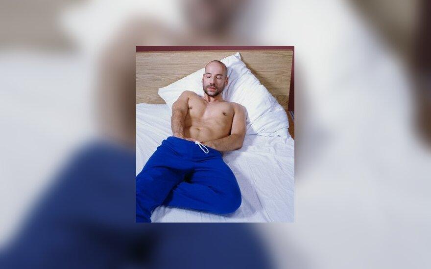 Мужу мастурбация заменяет секс