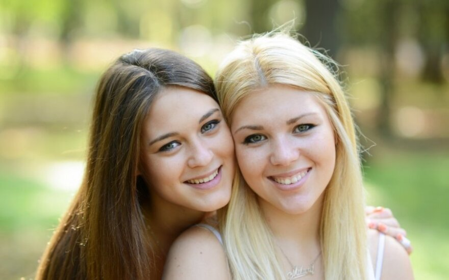 Ученые: невеста имеет старшую сестру - женись!