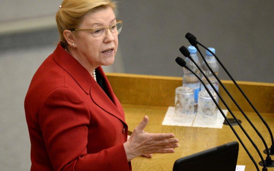 Сенатор Елена Мизулина считает, что наличие прав у россиян делает их несвободными