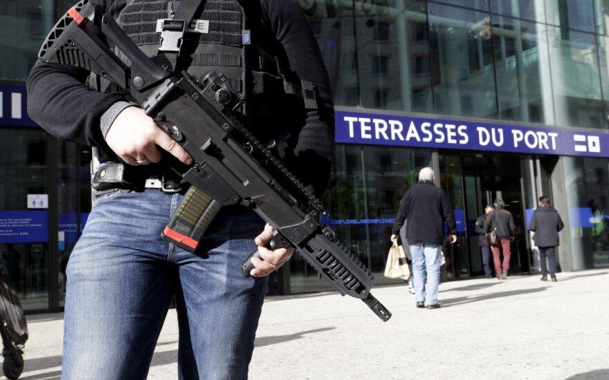 Ограбление в Париже: грабители растеряли драгоценности на 4 млн евро