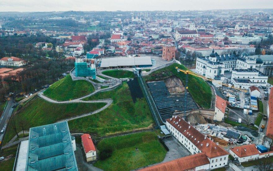 Гору Гедиминаса в Литве восстанавливали нелегальные рабочие из Украины и Беларуси