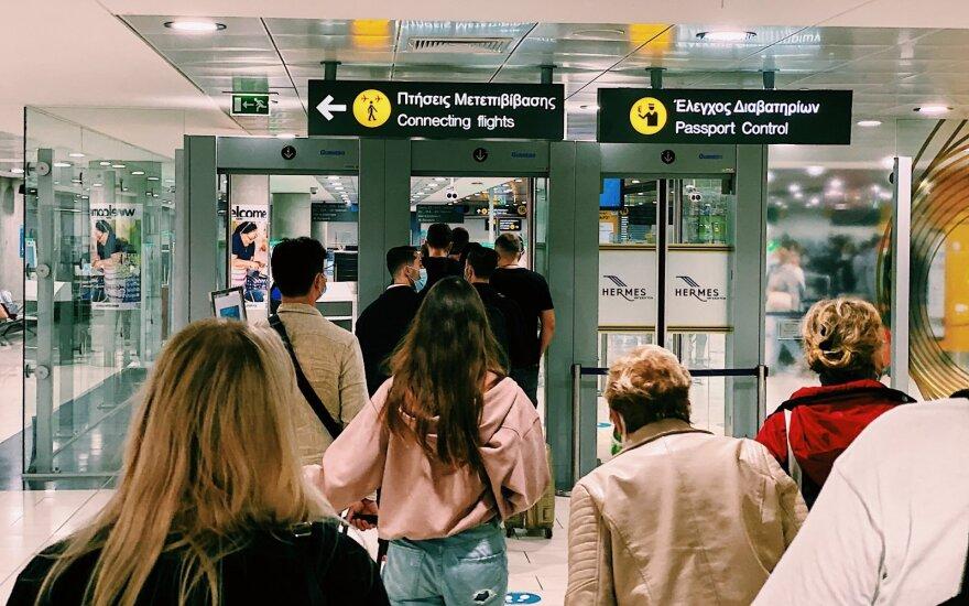 СМИ: туроператоры Tez Tour и Novaturas возобновляют полеты на Кипр