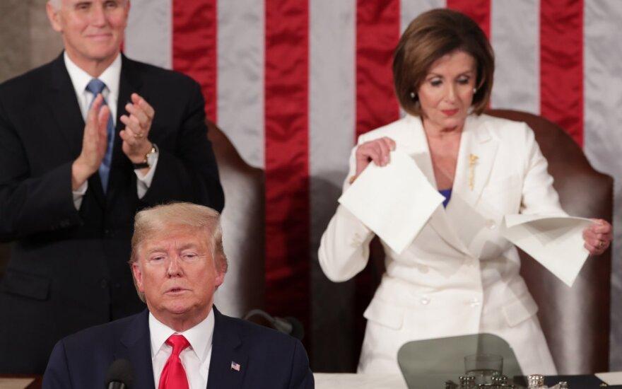Donaldas Trumpas, Nancy Pelosi