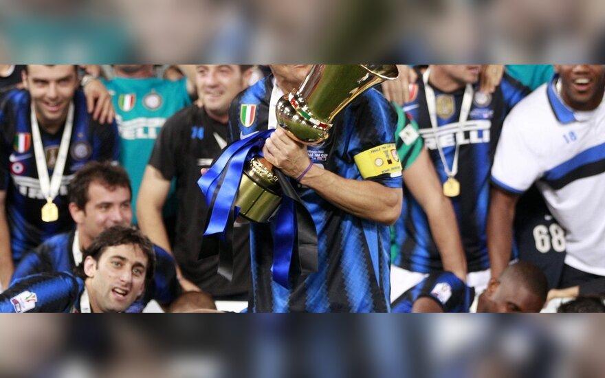 """Javieras Zanetti (""""Inter"""") su iškovota Italijos taure"""