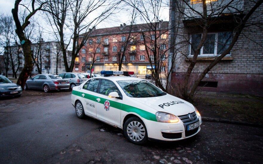 В Каунасе задержан подозреваемый в нападении на женщину с ребенком