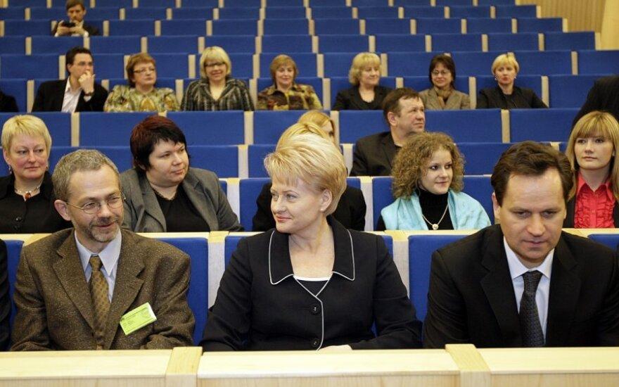 Рейтинг Грибаускайте упал, Томашевского - рухнул