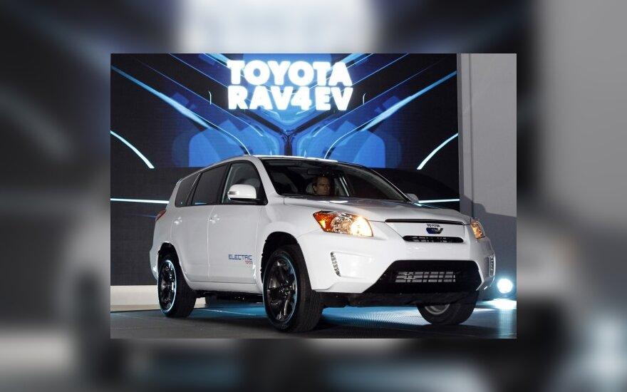 Кроссовер Toyota Rav4 переведен на электричество