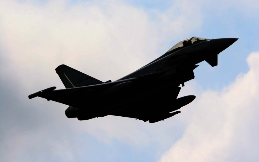 Британские истребители перехватили три российских самолета в небе над Балтикой
