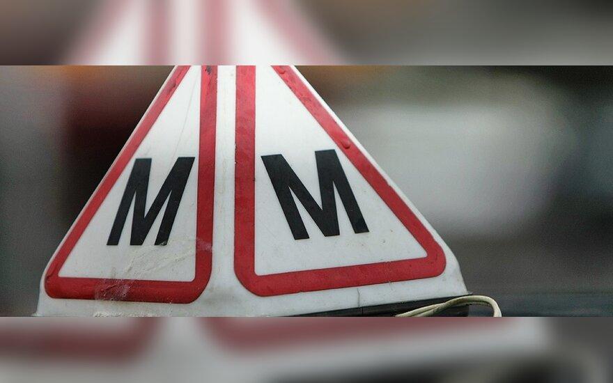 В Клайпеде в ДТП попал учебный автомобиль, водитель в реанимации