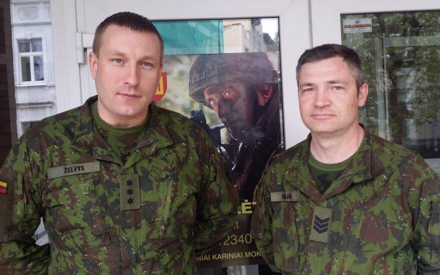 KASP kapitonas Žilvinas Želvys ir specialistas vyresnysis seržantas Andrejus Fedijus