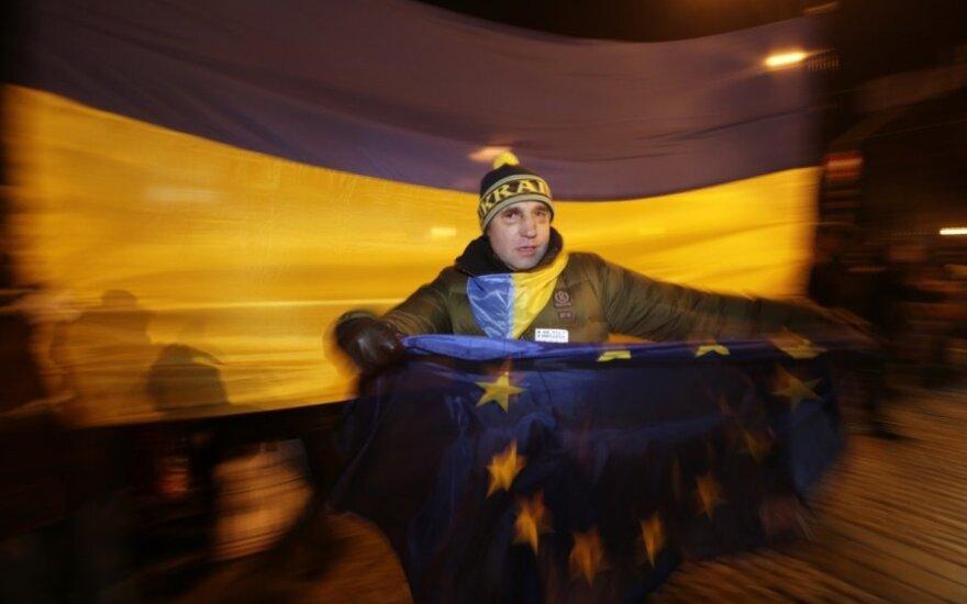 Госдеп США и Евросоюз осудили разгон Евромайдана в Киеве