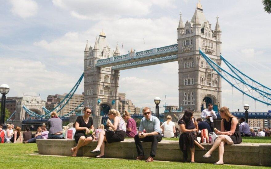 900 proc. wzrost liczby osób z byłego bloku komunistycznego, którzy otrzymali obywatelstwo w UK
