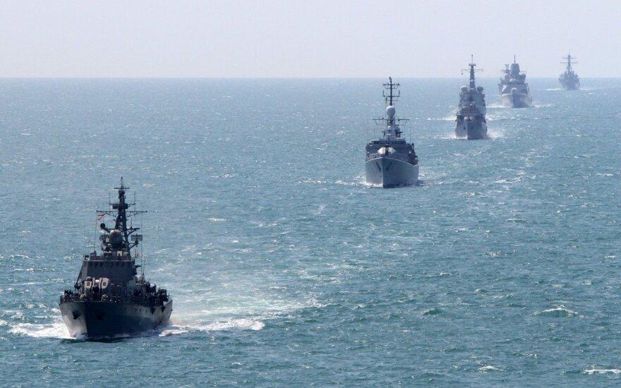 Военным кораблям НАТО упростят заход в латвийские воды
