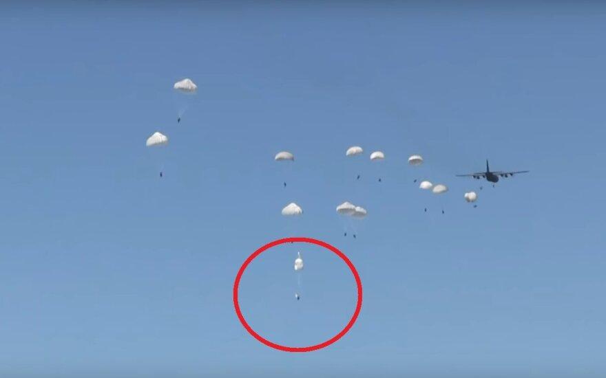 Polskiemu desantowcu nie otworzył się spadochron