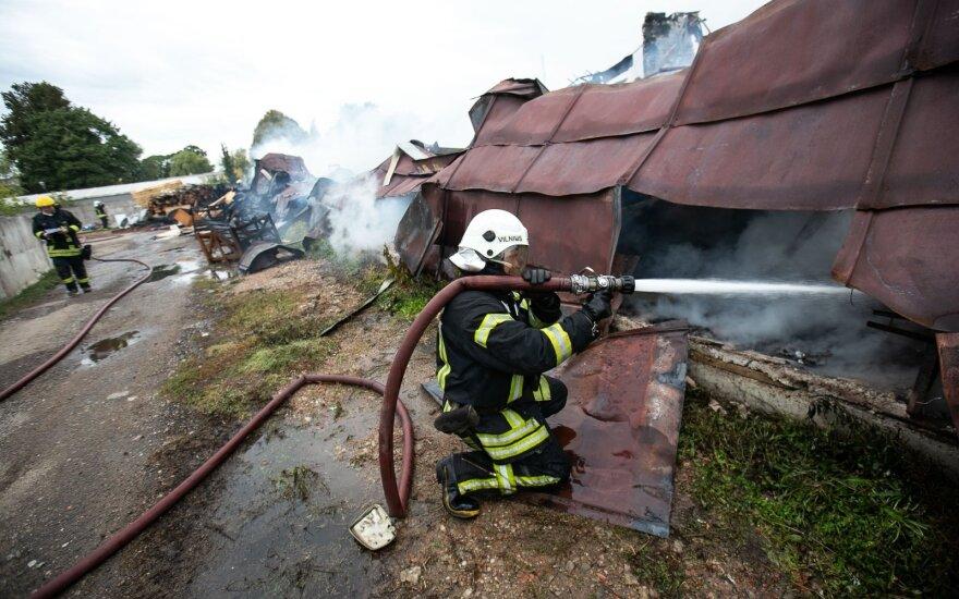 После статьи на DELFI Минобороны расследует действия контрразведчика и обстоятельства пожара в Лентварисе