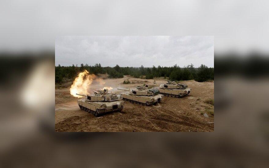 В страны Балтии перебрасываются американские танки и личный состав