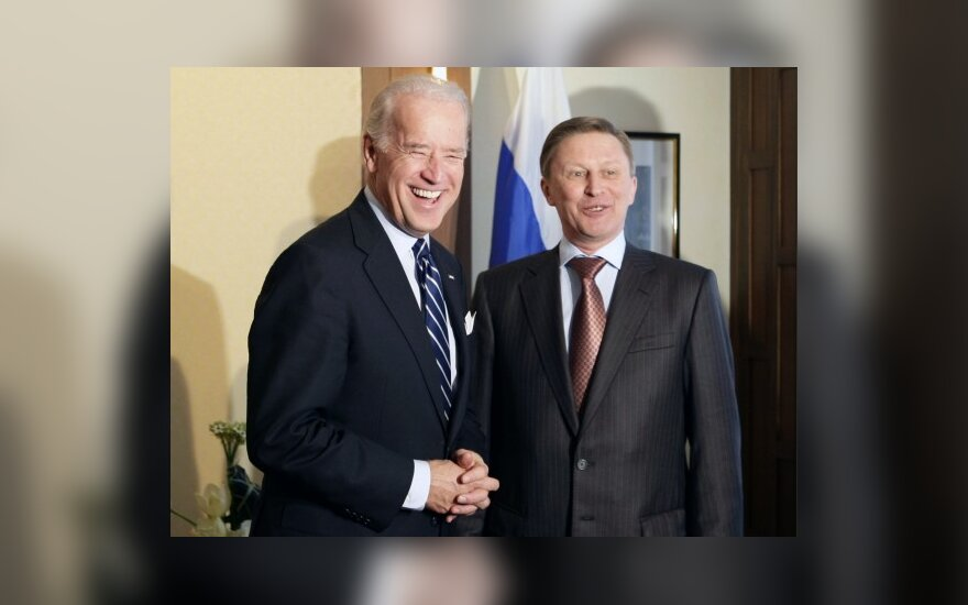 Иванов и Байден в Мюнхене жмут на restart