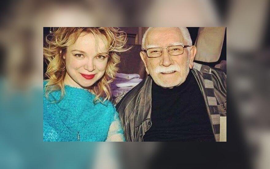 В Сети появились фото обнаженной экс-супруги Джигарханяна