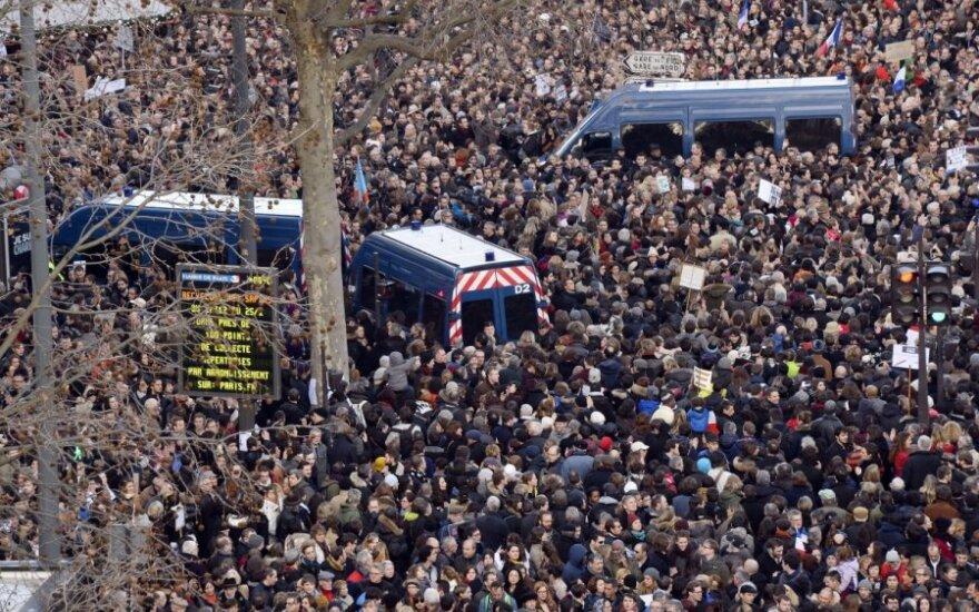 Франция: на Республиканский марш в Париже вышли миллионы людей