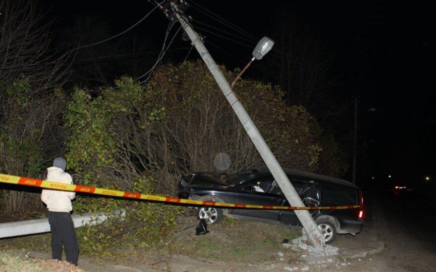 Volvo снес столб, часть Новой Вильни осталась без электричества