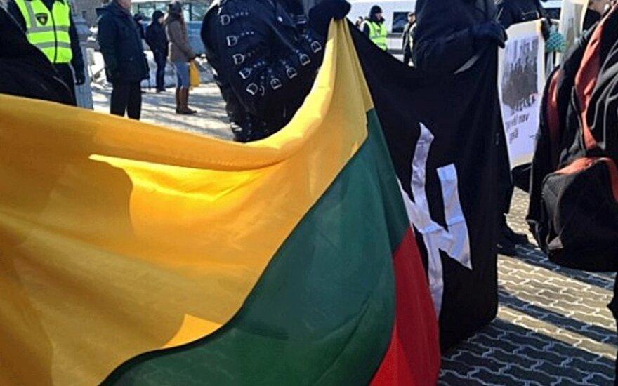 Шествие 16 марта в Риге вылилось в противостояние легионеров и антифашистов