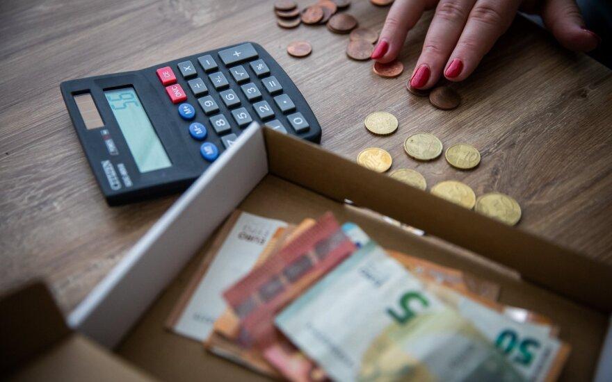 Опрос: почти половина жителей Литвы указала, что их доходы во время карантина уменьшились
