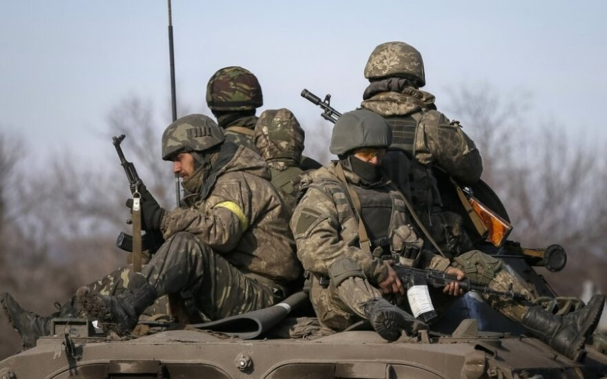 Украина: на передовой - обстрелы, Мариуполь готов к атаке