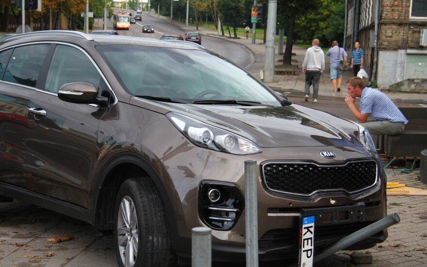 В Вильнюсе нетрезвый водитель BMW взял на таран другой автомобиль