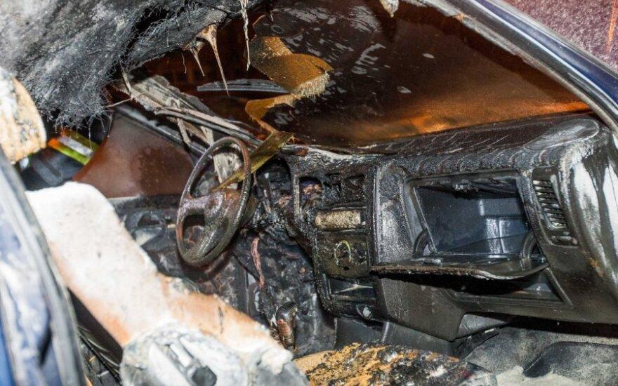 В Вильнюсе загорелся VW Polo