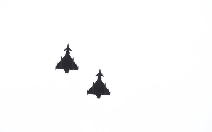 Истребители НАТО 5 раз сопроводили российские военные самолеты