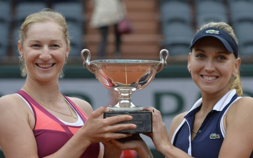 Россиянки победили на Roland Garros в парном разряде