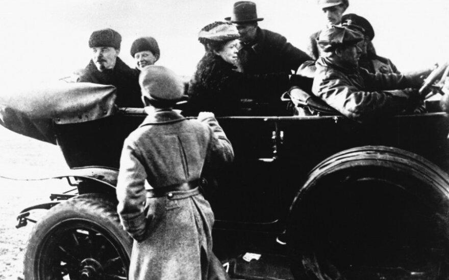 Историк: надо вернуть 8 марта его политическую сущность