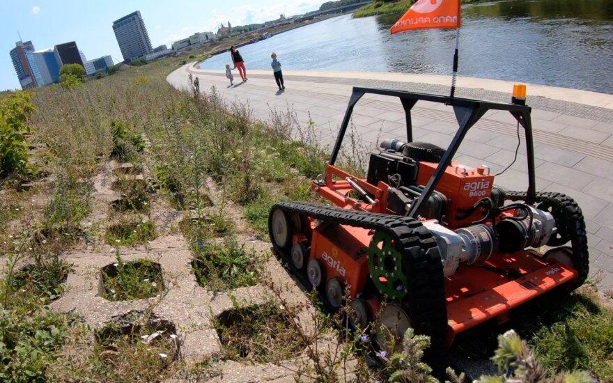 Территории в столице Литвы присматривают роботы и дроны