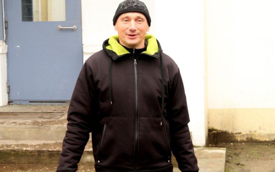 Gintaras Petrikas išeina į laisvę