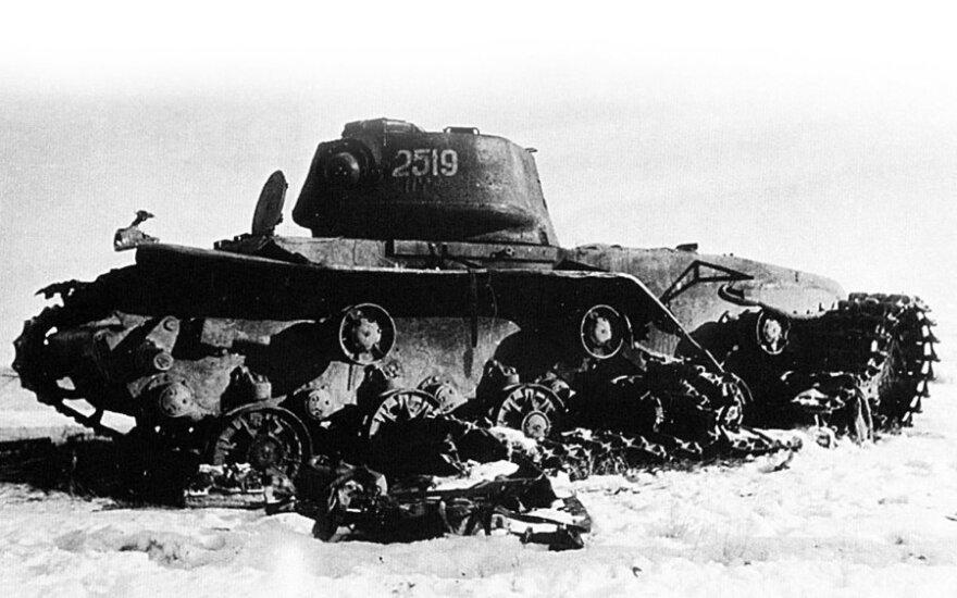 Sunaikintas sovietų tankas