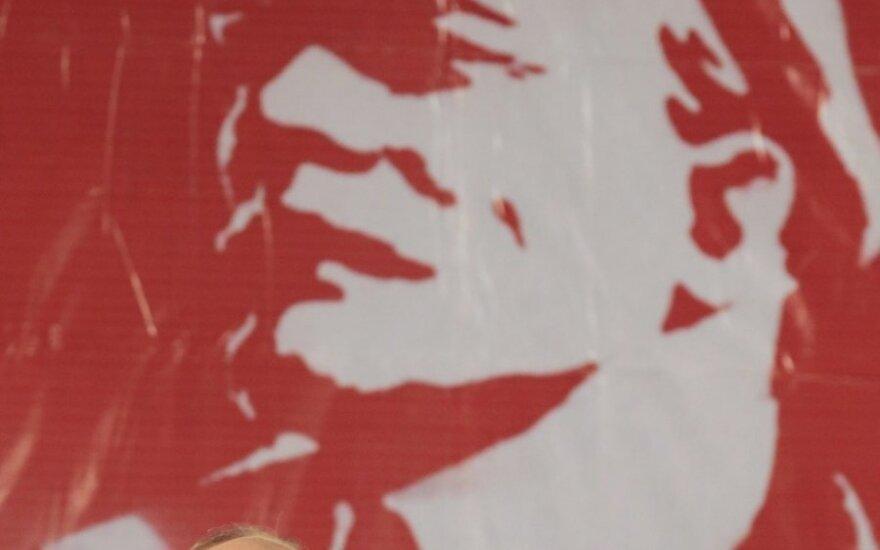 Зюганов в годовщину революции требует отставки правительства