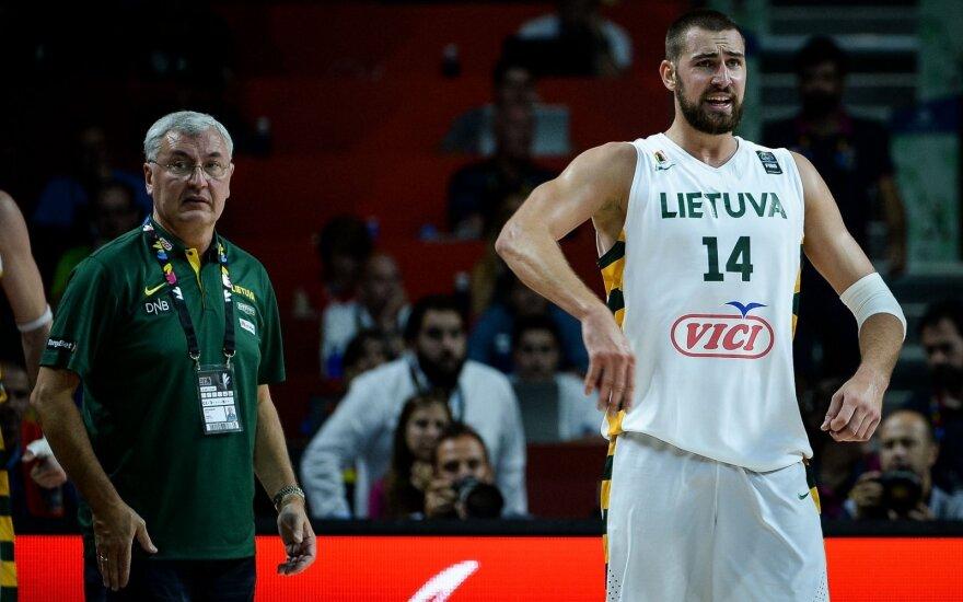 В товарищеском матче с Нидерландами Казлаускас снова возлагает надежды на центровых НБА