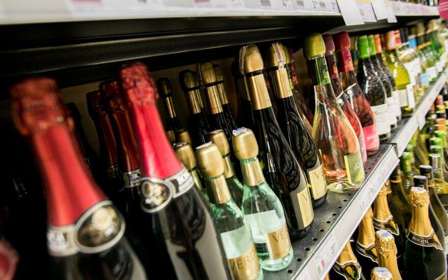 С 1 марта в Латвии стремительно подорожает алкоголь