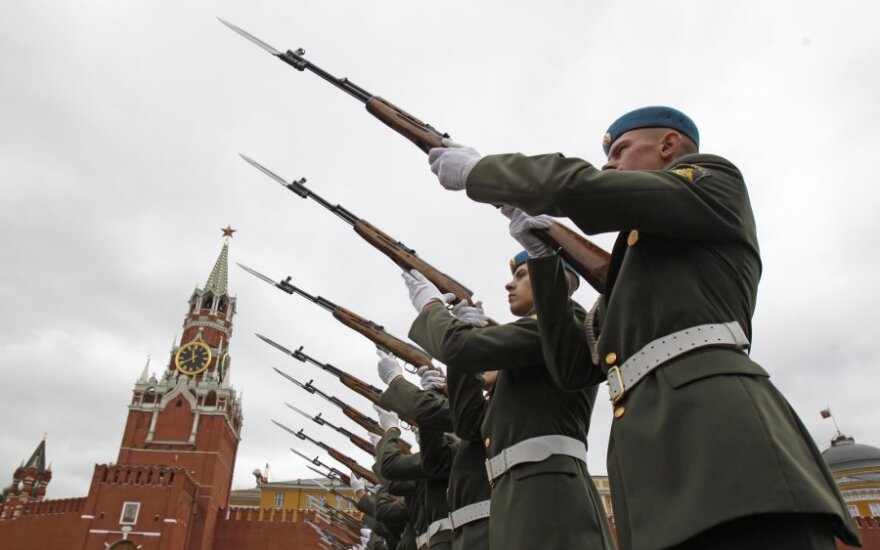 Запад не исключает, что политика Кремля станет еще суровей