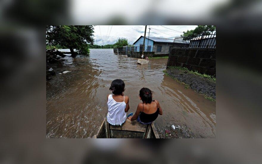 Колумбия оказалась под водой и просит помощи