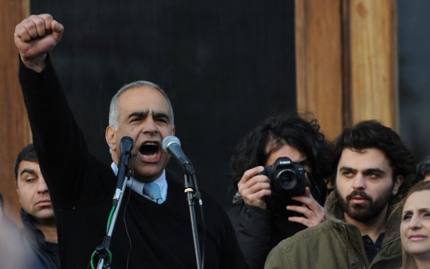 Ереван: заявка оппозиции на продолжение митингов отклонили