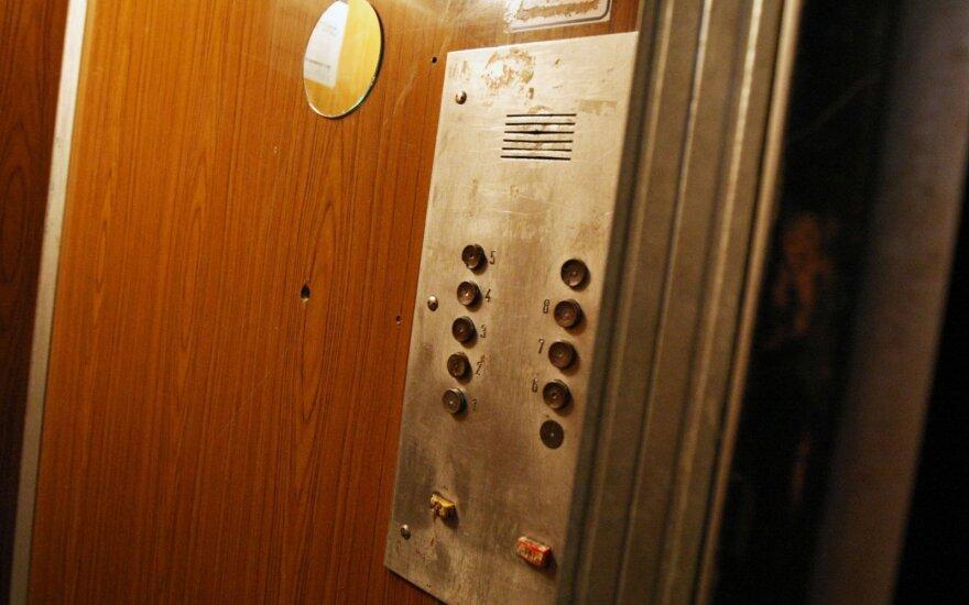 Инспекторы остановят лифты в многоэтажках Вильнюса: 420 лифта нуждаются в ремонте или замене