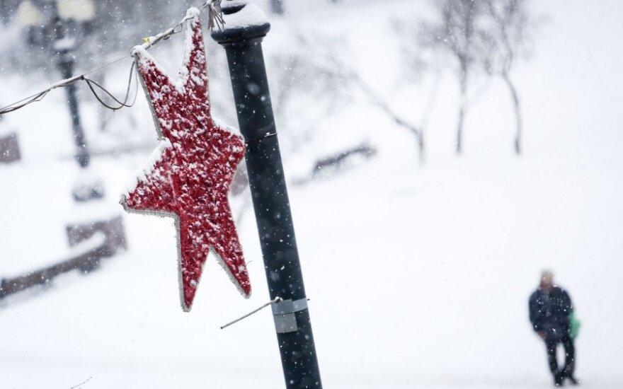 В субботу снег прекратится, станет холоднее