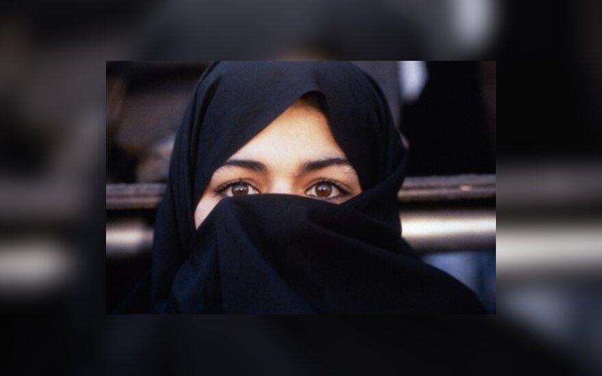 """Иран установит в аэропортах """"раздевающие"""" сканеры"""